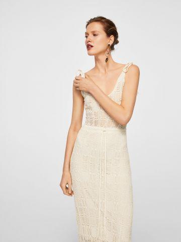 שמלה בטקסטורה סרוגה