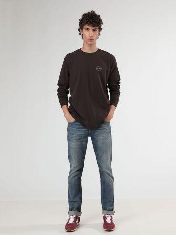 ג'ינס סלים עם שפשופים והבהרה