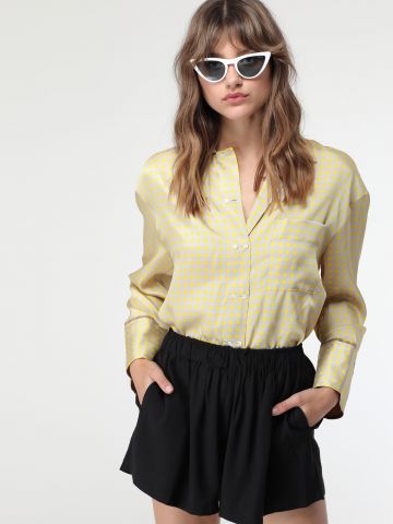 מכנסיים קצרים רחבים