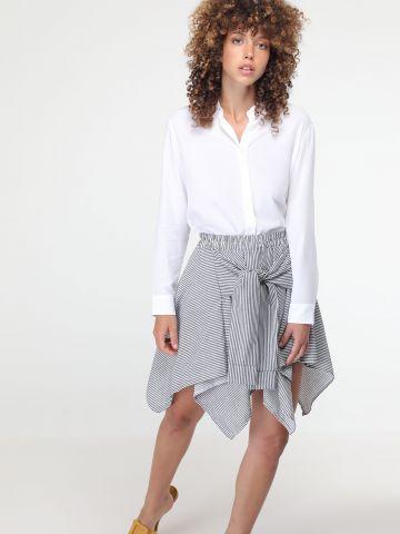 חצאית עם אלמנט קשירה
