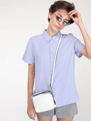 חולצה מכופתרת בייסיק שרוולים קצרים