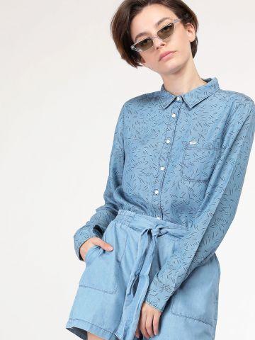 חולצה מכופתרת בהדפס קווים מפוזרים