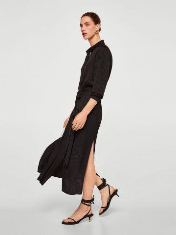 שמלה מכופתרת עם טקסטורה