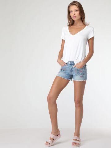 ג'ינס קצר בעיטורי רקמת פרחים