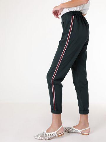 מכנסיים ארוכים עם עיטור פס בצדדים
