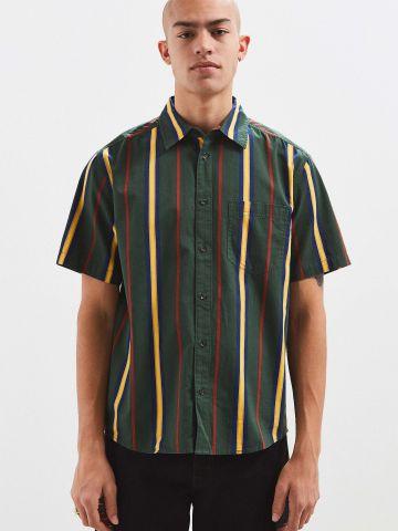 חולצת מכופתרת בהדפס פסים UO
