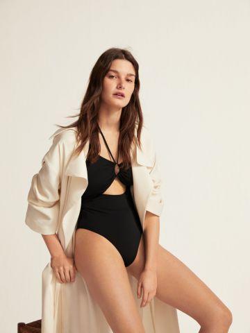 בגד ים שלם עם פתח בחזית ואיקס בגב