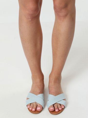 כפכפים עם רצועות קנבס ג'ינס