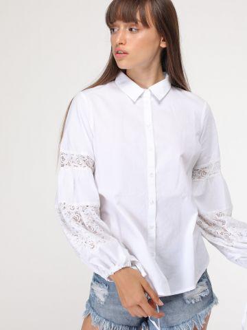 חולצת מכופתרת עם עיטורי תחרה