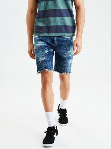 ג'ינס קצר עם קרעים וסיומת פרומה Cut Of The Knee