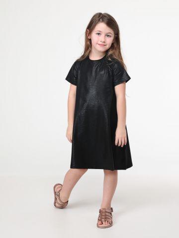 שמלת טי שירט עם אפקט מטאלי