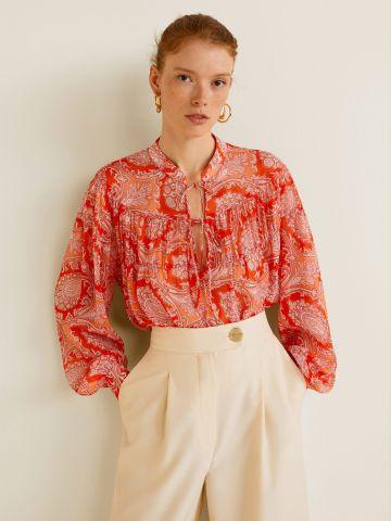 חולצת בוהו עם הדפס איורי פרחים וקשירות בחזית