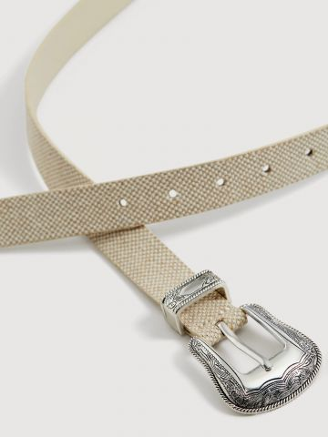 חגורת קאובוי עם אבזם מעוטר