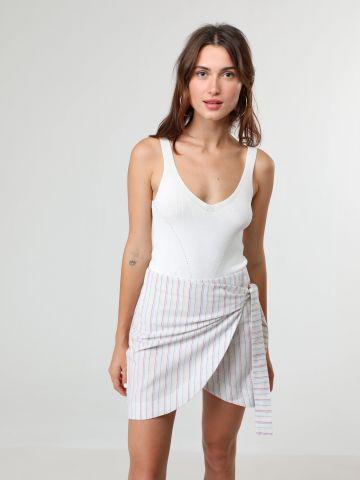 חצאית מיני פסים בסגנון מעטפת עם עיטור קשירה