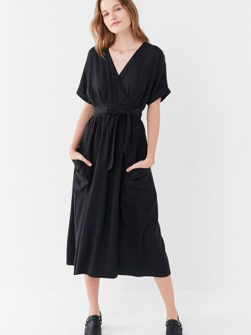 שמלת פשתן מעטפת UO