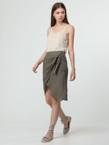 חצאית בסגנון מעטפת עם עיטור קשירה