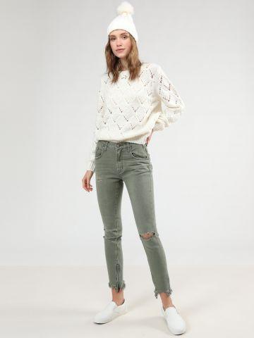 ג'ינס קרעים וסיומת פרומה עם רוכסן