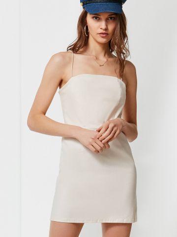 שמלת פשתן מיני עם כתפיות דקות UO