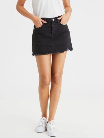 חצאית ג'ינס מיני עם סיומת פרומה