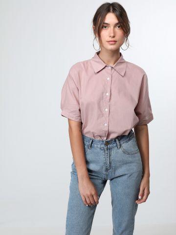 חולצה מכופתרת עם גב מעטפת