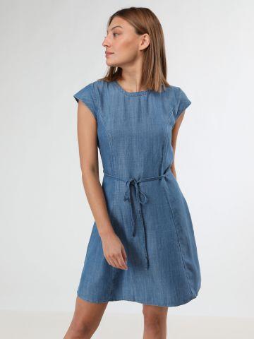 שמלת ג'ינס עם שרוך קשירה / נשים
