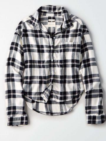 חולצה מכפותרת בהדפס משבצות / נשים