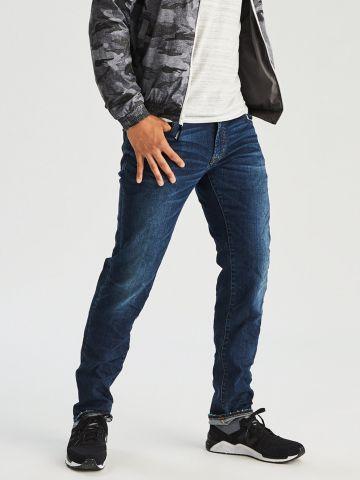 ג'ינס סלים בגזרה ישרה Slim Straight