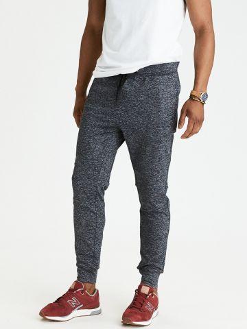 מכנסי טרנינג עם כיסים
