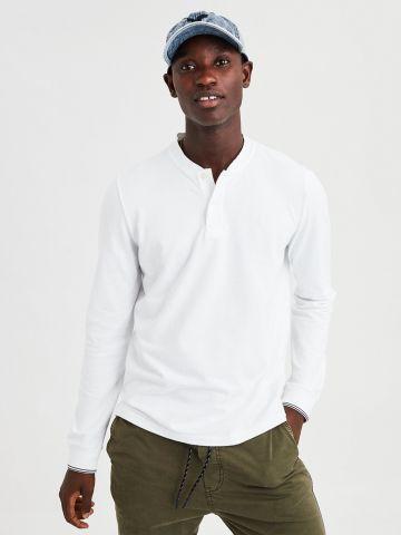 חולצת פולו עם סיומת מודגשת בשרוולים