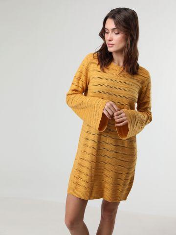 שמלת סריג עם שרוולים מתרחבים
