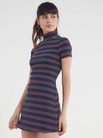 שמלת מיני ריב פסים עם צווארון גולף UO