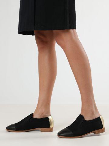 נעלי עור סליפ-און בטקסטורה מחוספסת וגב מוזהב / נשים
