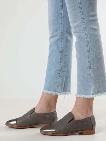 נעלי זמש סליפ-און בשילוב כסף / נשים