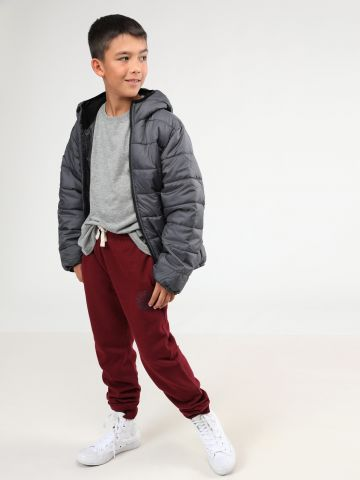 מכנסי טרנינג פליז עם הדפס כדורסל / בנים