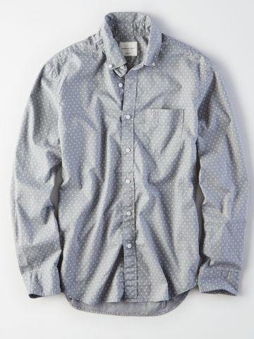 חולצת פופלין מכופתרת בהדפס נקודות / גברים