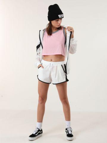 מכנסי אקטיב קצרים עם רשת בצדדים