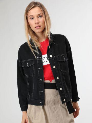ג'קט ג'ינס עם תיפורים מודגשים