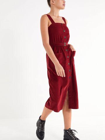 שמלת קורדורוי מידי עם כיסים וחגורה נלווית UO