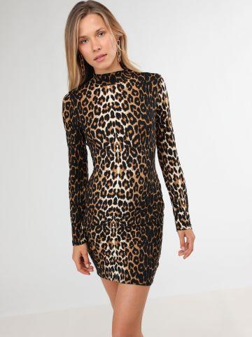 שמלת מיני בהדפס מנומר עם צווארון גבוה