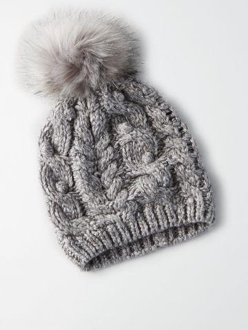 כובע גרב שתי וערב עם פונפון / נשים