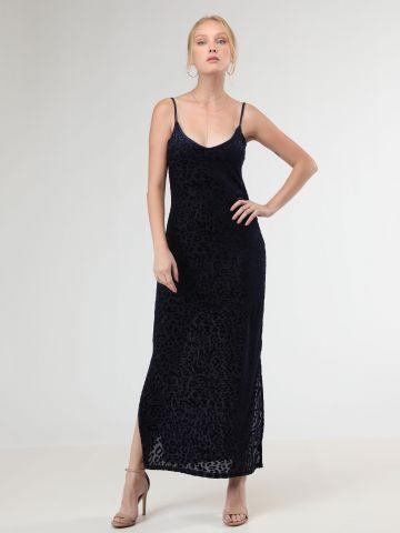 שמלת מקסי בטקסטורת חברבורות מקטיפה