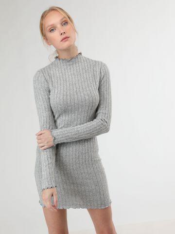 שמלת סריג סופט מיני עם סיומת מסולסלת