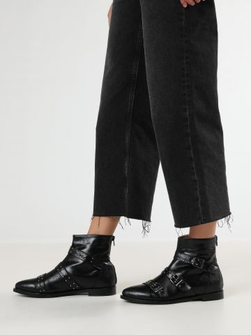 מגפיים דמוי עור עם רצועות אבזמים / נשים