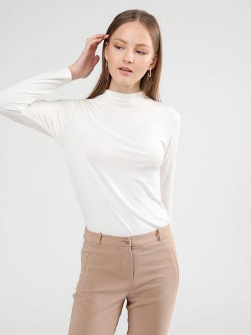 חולצת בייסיק סופט עם צווארון גבוה