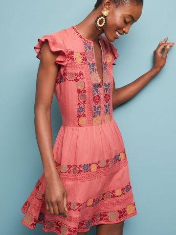 שמלת מיני עם רקמת פרחים ושרוולי מלמלה Love Sam