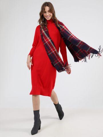 שמלת סוודר מידי עם צווארון גולף