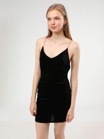 שמלת מיני קטיפה עם כתפיות שרשרת
