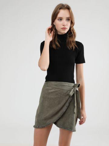 חצאית מיני זמש בסגנון מעטפת