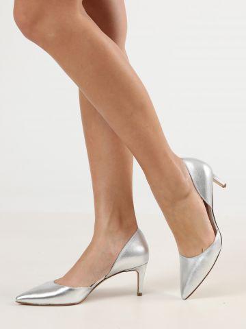 נעלי עקב סטילטו עור פתוחות באפקט מטאלי