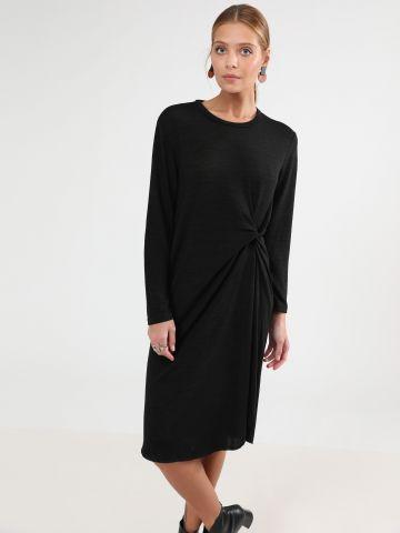 שמלת סריג מידי עם עיטור טוויסט